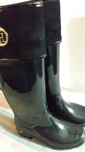 Tommy Hilfiger knee high rain boots size 7 for Sale in Joint Base Lewis-McChord, WA