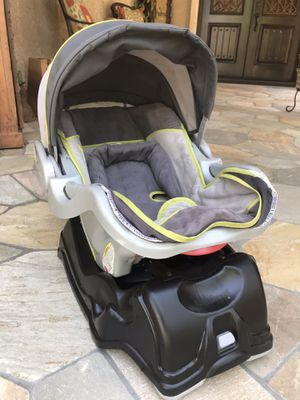 Infant Car Seat and Carrier for Sale in Simi Valley, CA