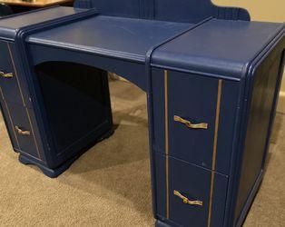Desk for Sale in North Bend,  WA