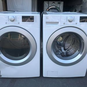 Kenmore 4.3cuf Washer And 7.3cuf Gas 110v Dryer for Sale in Oceanside, CA