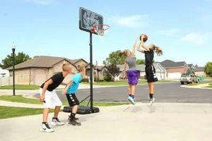 Lifetime adjustable basketball court for Sale in Canoga Park, CA