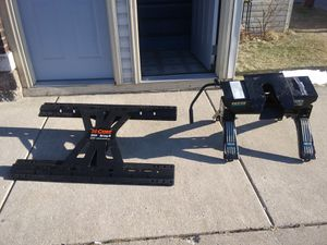 Gooseneck hitch and fifth wheel hitch combo special for Sale in Whiting, IN