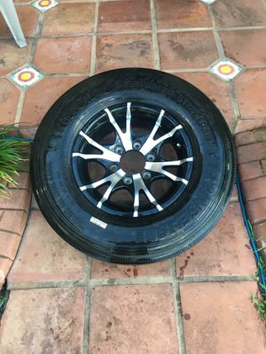 Aluminum wheel with tire in excellent condition for trailer, RV, or boat. Trans eagle 6 lugs size ST 225/75r15 for Sale in Hialeah, FL
