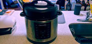 Crockpot 6 qt pressure cooker 8 in 1 for Sale in Clifton, VA