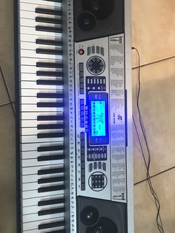 Music Eletronic keyboard 61 keys portable piano MK-939 for Sale in Boca Raton,  FL