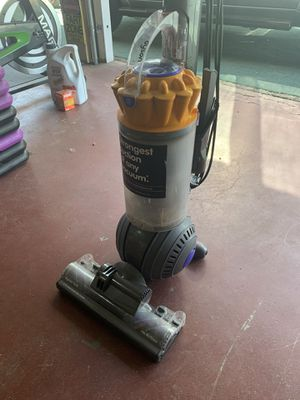Dyson ball vacuum for Sale in Fresno, CA