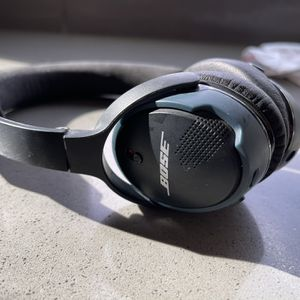 Bose Earphones Used But Working Great 👍 for Sale in Las Vegas, NV