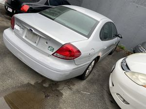 2005 Ford Taurus running drive sale it is fix or pasts for Sale in Randolph, MA