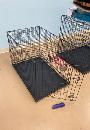 Medium dog cage for Sale in Plain City, OH