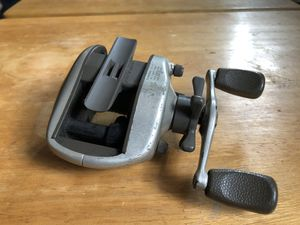 Daiwa reel bait caster conventional for Sale in Oceanside, CA