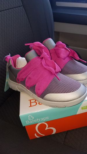 Girls tennis shoes size 2 Y for Sale in Burbank, CA