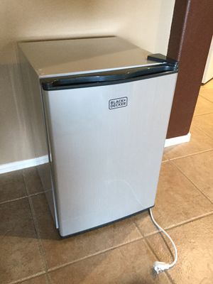 Compact Refrigerator 2.5 cu ft for Sale in Maricopa, AZ