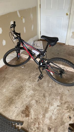 Hyper Mountain Bike for Sale in Manassas, VA