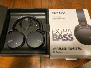 Sony MDR-XB950BT bluetooth wireless headphones for Sale in Tamarac, FL