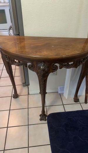 End table for Sale in Signal Hill, CA