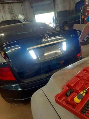 Anyone parting put a 2005 Acura tl need parts..all listed in post for Sale in East Hartford, CT