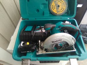 "18V MAKITA 6-1/2"" CORDLESS CIRCULAR SAW + (2) BATTERIES +CHARGER + NEW BLADE + CARRYING CASE for Sale in Edmonds, WA"