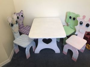 Animal kids table for Sale in Orlando, FL