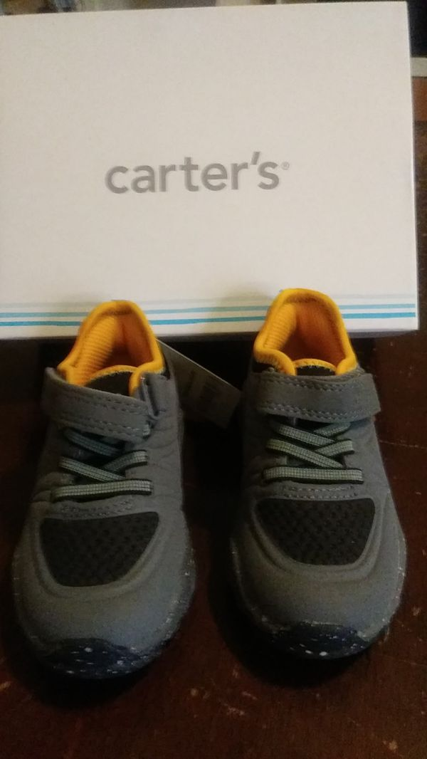 Size 7 sneakers for toddler