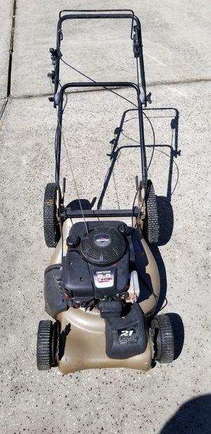 Craftsman Briggs & Stratton 6.5 hp lawn mower for Sale in Orlando, FL