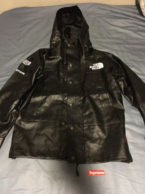Supreme The North Face Leather Mountain FW18 for Sale in San Diego, CA