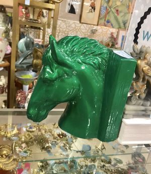 Emerald green lacquered horse bookends for Sale in Coconut Creek, FL