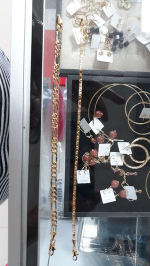 Reloj cadenas y manillas for Sale in Miami, FL