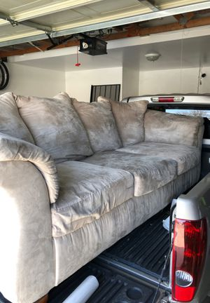 Couch, sofa for Sale in Bakersfield, CA