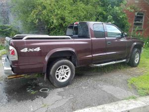2004 Dodge Dakota 4WD pickup for Sale in Bridgeport, CT