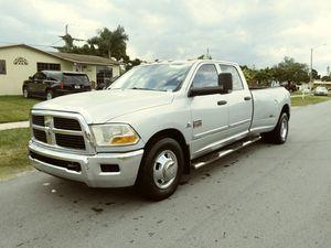 2011 DODGE RAM 3500 for Sale in Miami, FL