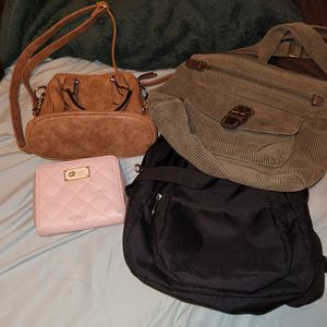 FREE: bags, a wallet PENDING PICKUP for Sale in San Gabriel, CA
