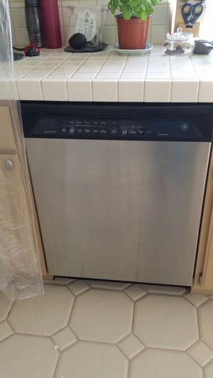 GE stainless steel dishwasher. Excellent condition! for Sale in San Diego, CA