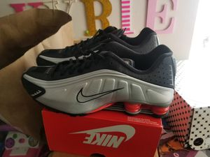 NIKE shox r4 size 11.5 for Sale in Anaheim, CA