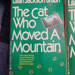 The Cat Who Moved A Mountain, Lillian Jackson Braun, Paperback for Sale in Kent, WA