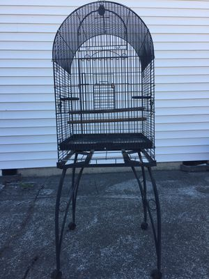 Birth cage 75$ for Sale in Vancouver, WA