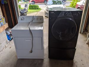 Broken whirlpool washer and dryer for Sale in Kaysville, UT