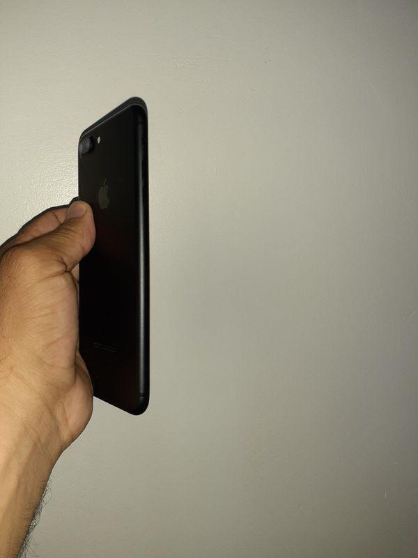 IPHONE 7 PLUS 128 GB FACTORY UNLOCKED