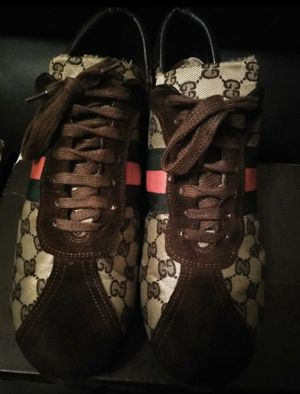 Gucci sneakers 👟 size 10. Authentic for Sale in Edgewater Park, NJ
