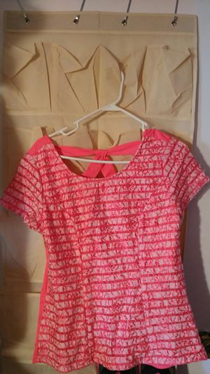 Hot pink summer shirt. for Sale in Finleyville, PA