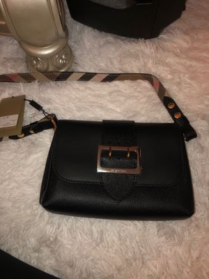 BURBERRY BRAND NEW NEVER USED for Sale in Elk Grove, CA