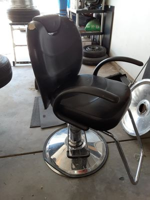 Barber chair for Sale in Madera, CA