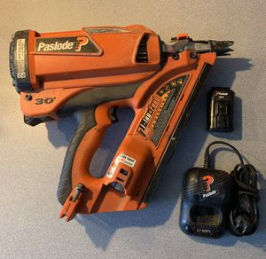 Paslode Cordless framing nailer w/ battery and charger for Sale in Apex, NC