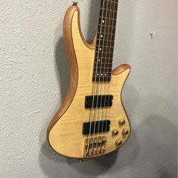 Schecter 5 string bass - Upgraded Machine Heads for Sale in Oregon City,  OR