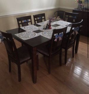 Brown Wooden Dining Table for Sale in Ashburn, VA