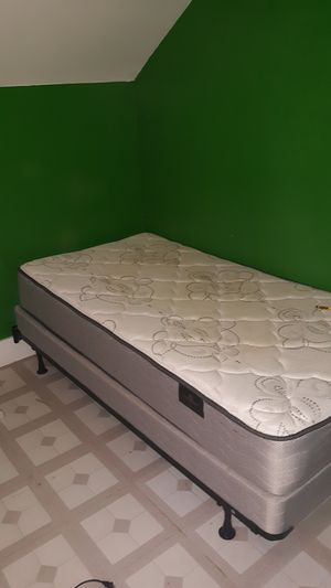 Twin bed and dresser make a offer for Sale in LA MOILLE, IL