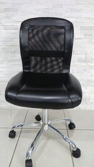 Desk chair for Sale in Hialeah, FL