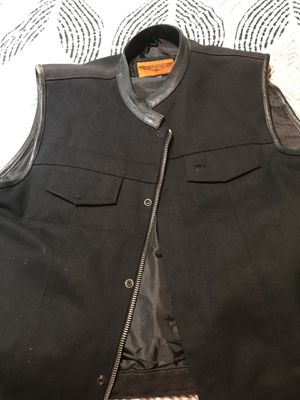 Motorcycle vest with cancealed pockets 4xl for Sale in Dinuba, CA