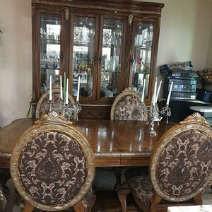 Dinning table and china for Sale in Fontana, CA