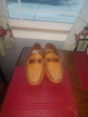 Men casual shoes 9 1/2 for Sale in Aurora, IL