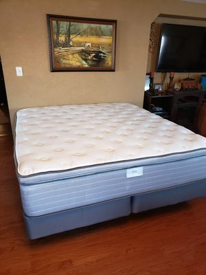 King bed for Sale in San Antonio, TX